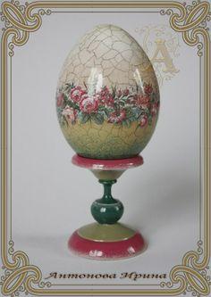 Easter Egg Crafts, Easter Gift, Easter Eggs, Decoupage, Egg Shell Art, Faberge Eggs, Egg Art, Egg Decorating, Holiday Crafts