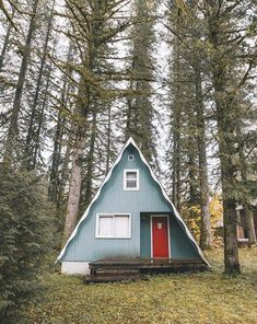 Not my dream home but a cute house A Frame Cabin, A Frame House, Triangle House, Cabin In The Woods, Cabins And Cottages, My Dream Home, Architecture, Future House, Tiny House