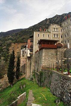 Ιερά Μονή Αγίου Παύλου. Γενική άποψη - Holy Monastery of Saint Paul. General view