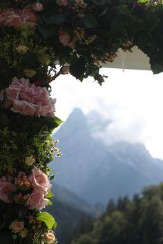 Hochzeit in den Bergen - Rosamunde Pilcher inspirierte Sommerhochzeit in Pfirsich, Apricot, Pastelltöne - Heiraten in Garmisch-Partenkirchen,…