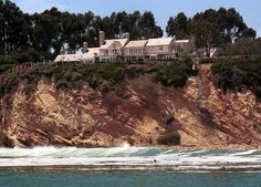 Barbara Streisand... Malibu.. Most celebrities home in Malibu look the same however, The Rose stands alone with this beauty ...medic