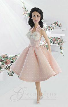 New fashion from Gwendolyns Treasures for Fashion Royalty, Poppy. Feminine retro halter dress with white rose bodice. Fashion Royalty Dolls, Fashion Dolls, Girl Fashion, Fashion Outfits, Barbie Dress, Barbie Clothes, Barbie Outfits, Pink Dress, Barbie Mode