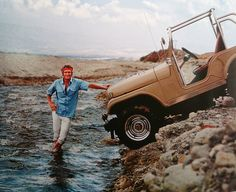 blue sky, blue eyes and a unique Jeep CJ Chevy engine; The photographer Milton Greene went with Steve McQueen in Mexico for a recognition procedure before the Baja 500 in Steeve Mac Queen, Chevy, Steve Mcqueen Style, Mustang, Cj Jeep, Jeep Cj7, Films Cinema, Ford, Transporter