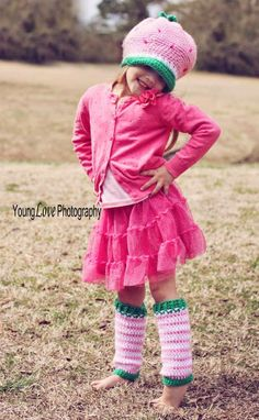 May have to make these for my niece.  She loves Strawberry Shortcake. Strawberry Hat, Leg Warmers, Crochet Pattern, Easy Crochet Pattern, FREE
