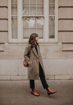 #fallfashion #falloutfit #fallstyle #fall2019 #coats #plaid #style #outfits #outfitideas