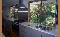 Blue Mtns Holiday House, Holiday Accommodation in Wentworth Falls, #Australia #travel #holidays www.OzeHols.com.au/47 Beach Accommodation, Holiday Accommodation, Travel Oz, Farm Stay, Blue Mountain, Australia Travel, Bed And Breakfast, Beautiful Places, Kitchen Cabinets