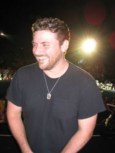LOVE that smile :) :) Tim Cruz on Kat Country photo. Sleep Train Amphitheatre In Wheatland. Chris Young Concert, Chris Young Songs, Country Music Artists, Country Singers, Celebrity Crush, Celebrity News, Alan Young, He Has A Girlfriend, Jake Owen