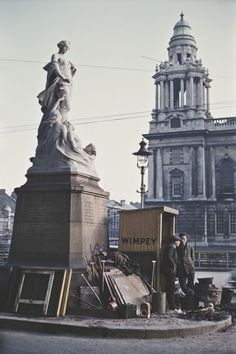 Brilliant color photos of the birthplace of the Titanic.