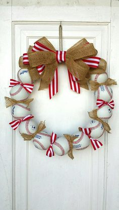 Support your loved ones playing on the diamonds. Adorable Baseball Wreath to place on your door.
