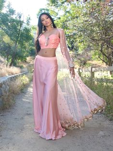 Crop Top Jacket, Good Color Combinations, Palazzo Suit, Ethnic Outfits, Pink Sunset, Mirror Work, Thread Work, Pink Fabric, Ethnic Fashion