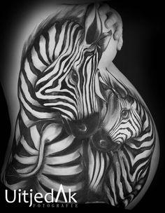 Oooh wauw! Bellypaint/bodypaint Zebra by Tera Bakker www.uitjedakfotografie.nl