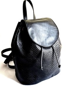 Black Leather Backpack Purse Embossed Crocodile by AnthologyShop #HEPTEAM