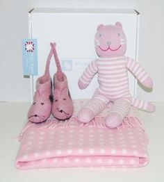 Baby shower Gift Bundles from $54 new code 'summer01' for an extra 10% @ www.whiterabbitengland.com