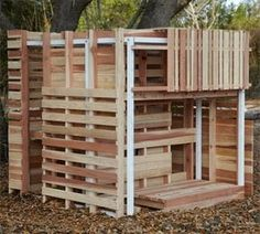pallet playhouse... Yes!!