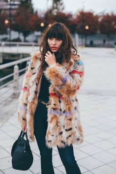 Latest Fashion Trends – I can't wait to change the wardrobe this winter. - Street Fashion, Casual Style, Latest Fashion Trends - Street Style and Casual Fashion Trends New Street Style, Looks Street Style, Looks Style, Fur Fashion, Fashion Week, Womens Fashion, Fashion Trends, Fashion Bloggers, Style Fashion