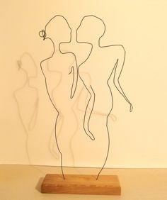 le baiser couple d'amoureux en fil de fer : Sculptures, gravures, statues par fildereve