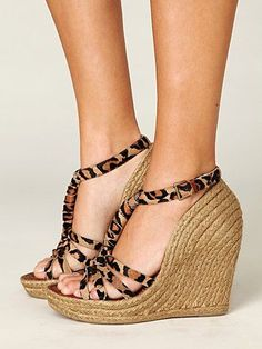 Love the leopard print on these Espadrilles!