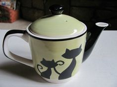 Huesnbrews Teapot Green with Black Cats