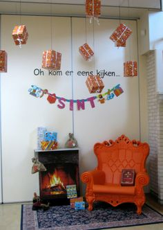 Mooie Sint Hoek School Decorations, School Themes, Diy And Crafts, Crafts For Kids, Party Organization, Saint Nicholas, Diy Design, Christmas Crafts, Scary Scary