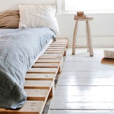 pallet beds, bed frames, beach cottages, crate bed, hous, platform beds, guest rooms, wood pallets, bedroom