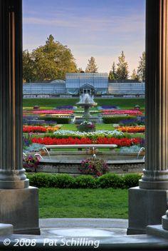 Geiser Conservatory at Duncan Gardens, Manito Park, Spokane, WA  Photo © 2009 Pat Schilling