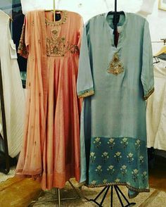 Beautiful Chanderi-silk Kurtis with Hand Embroidery butas. and beautiful embellishments. Lit Outfits, Boho Outfits, Pakistani Outfits, Indian Outfits, Elegant Dresses, Pretty Dresses, Ethenic Wear, Dress Design Sketches, Embroidered Kurti