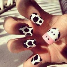 Diseño de uñas kawaii vaca animal nail art11