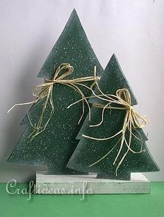 Image from http://www.craftideas.info/Christmas_Wood_Craft_-_Wooden_Christmas_Trees_Set.jpg.