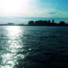 #kriegundliebe #rhine #Düsseldorf #riverside