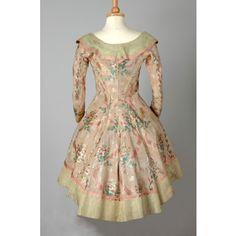 Leeds Museum item 1949.8.91  1770 silk caraco