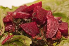 Amazing health benefits of beetroot : *Immunity booster *Anti cancer *Heals acn. Amazing health be Magnesium Benefits, Health Benefits, Beetroot Benefits, Nutrition Articles, Healthy Drinks, Healthy Eats, Soul Food, Health And Wellness, Folic Acid