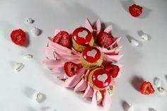 Quelques-unes des plus grandes maisons pâtissières se sont inspirées de la fête de la Saint Valentin, qui aura lieu d'ici quelques semaines, afin de créer