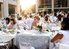 Guests attend the 2012 Diner en Blanc on August 20, 2012 in New York City.  Photo: Andrew H. Walker, Getty Images / SF