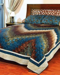 """""""Ebb & Flow"""" by Patti Carey and Susanne Ebsworthy (from Quilt Trends Magazine Spring 2013 issue)"""
