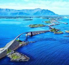 De Atlantische weg bij Noorwegen, scheidt de Noorse zee van de #fjorden