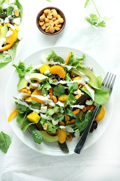 Thai Mango Salad with Sweet Honey Sesame Dressing (healthy vegetarian recipe) by www.droolworthydaily.com