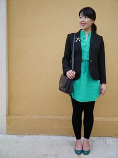 Vancouver blogger Lisa Wong of Solo Lisa wears a black J. Crew schoolboy blazer, emerald green J. Crew 'Janey' flats, emerald Aritzia Babaton silk tunic, Forever 21 black leggings and gold bow brooch, Maison Birks pearl earrings, and a navy blue vintage Coach bag.