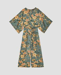 Designer Clothes, Shoes & Bags for Women Floral Fashion, Fashion Dresses, Fashion 2020, Fashion Show, Moda Floral, Overall, Blazer, Jumpsuits For Women, Kimonos