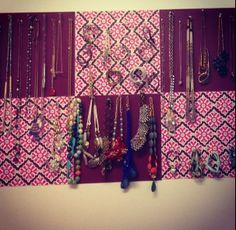 College Dorm Jewelry Wall using scrapbook paper College Dorm Decorations, College Crafts, College Room Decor, College Dorm Rooms, College Girl Apartment, Dorms Decor, College Apartments, College Girls, College Life