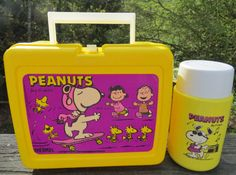 Yellow plastic peanuts lunch box with thermos/ snoopy plastic lunch box/ mid century lunch box/ peanuts brand lunch box/ collectible