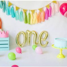 The sweetest first birthday decor! Shop our One Script Balloon via our online store x⁣ .⁣ .⁣ .⁣ .⁣ .⁣ #onescript #balloon #firstbirthday #love #cute #instababy #instatoddler #afterpay #partyshop #partydecor #style #fashion #decor #onlineshopping #events #styling #etsy #flashesofdelight #thatsdarling #events #parties #celebrate #littlebooteekau...