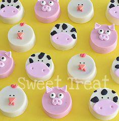 #oreo_cookies #farm_animals White Chocolate Oreos, Chocolate Covered Treats, Chocolate Sweets, Chocolate Covered Strawberries, Chocolate Molds, Farm Cookies, Oreo Cookies, Farm Animal Cupcakes, Candy Birthday Cakes
