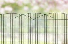 Design hekwerk type Innsbruck uit onze #Elegance programma: -Standaard lengte 2510 mm -Hoogtes 800,1000 en 1200 mm *Kleuren mosgroen en antraciet. Andere maten en kleuren op aanvraag.  #www.zichtdicht.nl