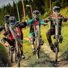 Bike hubs are a very important part of a bmx build to get right. Read this article to find the best bmx hubs for riding bmx street, bmx dirt jumps or any other riding. Mtb Bike, Bmx Bikes, Cycling Bikes, Road Bikes, Mtb Downhill, Dh Velo, Mountain Biking, Montain Bike, Bike Photography