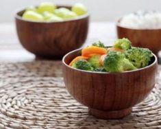 Elegantná maličká miska z prírodného dreva,.ň Chinese Bowls, Rice Bowls, Wooden Bowls, Baby Feeding, Guacamole, Serving Bowls, Lunch Box, Tableware, Ethnic Recipes