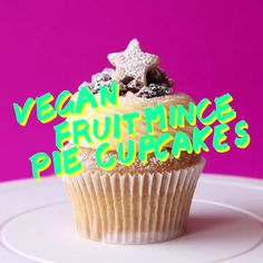 vegan fruit mince pie cupcakes are absolutely yum! You'll learn to make my vegan vanilla cupcake, delicious fruit filling and vegan short crust pastry. There's nothing boring about these gorgeous Christmas treats! Cupcake Recipes, Baking Recipes, Cupcake Cakes, Dessert Recipes, Pie Recipes, Delicious Fruit, Tasty, Yummy Food, Delicious Cupcakes
