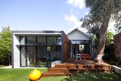 Maylands Additions / Jonathan Lake Architects