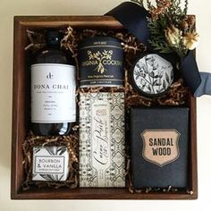 Corporate Gifts Ideas Loved and Found Gifting Studio: Custom and curated gift boxes for women, men, baby, holidays, events and weddings. Client and corporate gifting services. Gift Hampers, Gift Baskets, Homemade Gifts, Diy Gifts, Holiday Gifts, Christmas Gifts, Gift Boxes For Women, Curated Gift Boxes, Client Gifts
