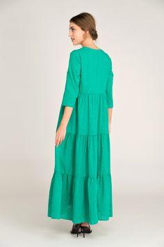 Vestido Janvier plumeti vert de Rue Mazarine también disponible en rosa y estampado multicolor en leonceshop.com y tiendas Leonce. Rue Mazarine, High Neck Dress, Dresses, Fashion, Vestidos, Pink, Tents, Skirts, Budget