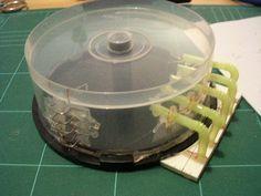 Tutorial - old CD case used as a fuel tank (pic) Warhammer Terrain, 40k Terrain, Game Terrain, Wargaming Terrain, Stop Motion, Maquette Star Wars, Miniaturas Warhammer 40k, Sci Fi Models, Warhammer 40k Miniatures